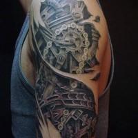 Tatuaje en el brazo, detalles biomecánicos estupendos