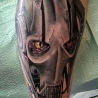 Tatuaje en el antebrazo, droide fantástico de  Star Wars