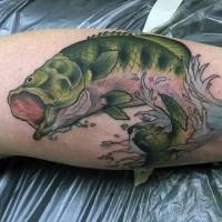 incredibile dipinto e colorato dettagliato pesce in acqua tatuaggio su gamba