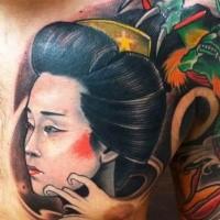 Japanischer Stil farbiges Brust Tattoo mit Geishas Portrait