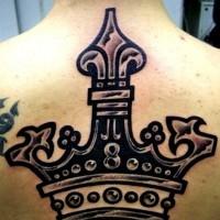 largo corona nera tatuaggio sulla schiena
