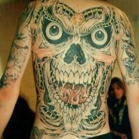 Tatuaggio spaventoso sulla schiena il demoniaco