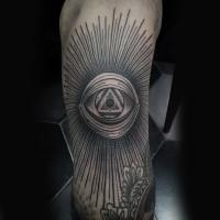 Linienwerk Stil schwarzes Arm Tattoo mit  mystischem Auge