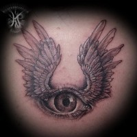 piccolo nero e bianco occhio con ali tatuaggio su schiena