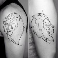 piccolo inchiostro nero testa di leone astratta tatuaggio su spalla