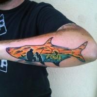 Tatuaje en el antebrazo,  familia de pescadores en forma de pez