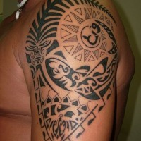 Lovely sacred polynesian tattoo on shoulder