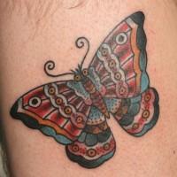 bellissima farfalla tradizionale tatuaggio su gamba
