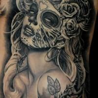 stile messicano dipinto inchiostro nero donna seduttiva tatuaggio su petto