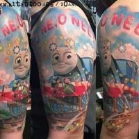 Historieta multicolor Thomas tren divertido tatuaje con letras en el hombro