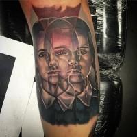 mistica fantasma colorato ritratto di ragazza tatuaggio su braccio