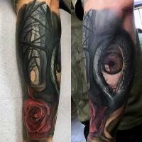 Neue Schule Stil farbiges Unterarm Tattoo mit mystischem menschlichem Auges