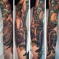 Neue Schule Stil farbiges Unterarm Tattoo von Ente mit Schlange und Beeren