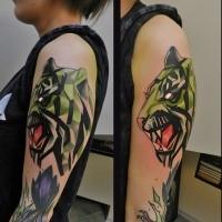 Tatuaggio di tigre ruggente con il nuovo tatuaggio colorato in stile scolastico