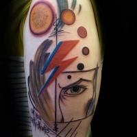 Nett aussehendes im abstrakten Stil Schulter Tattoo von Blitz Symbol mit Kreisen und Auge