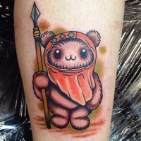 Tatuaje en la pierna, héroe famoso ewok  bonito