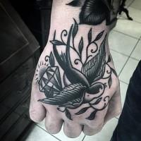 Tatuaje en la mano,  ave graciosa, estilo old school