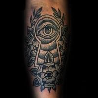 Tatuaggio di inchiostro nero stile old school dell'occhio che guarda attraverso il buco della serratura con i fiori
