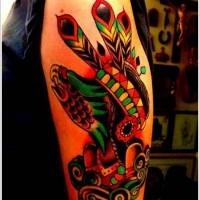 Oldschool Stil buntes gefärbtes Schulter Tattoo mit Indianer und Adlers Gesicht