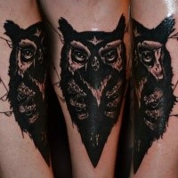 Old school style colored leg tattoo of owl with star