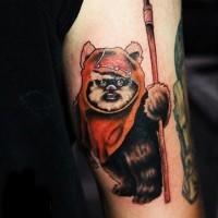 Tatuaje en el brazo, ewok precioso volumétrico