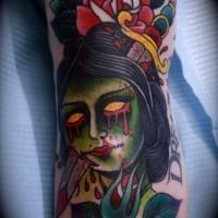 vecchia scuola stile dipinto  colorato testa di ragazza accoltellata con fiore tatuaggio su piede