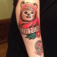 Tatuaje en el brazo, animal extraño héroe de película famosa