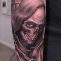 Ominöser Sensenmann Unterarm Tattoo