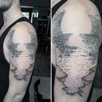 Originale Schwarzweiß Küste Und Sonnenuntergang Tattoo Am Unterarm