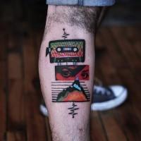 Originales musikalisches farbiges Bein Tattoomit  altem  Player und Musikwelle