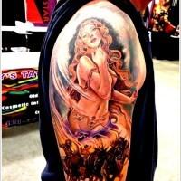 origginale dipinto massiccio colorato donna sexy con cavalli tatuaggio su spalla
