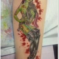 originale stile dipinto seduccente donna zombie tatuaggio su braccio
