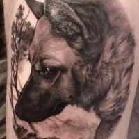 Farbige Tinte Deutscher Schäferhund Tattoo Idee