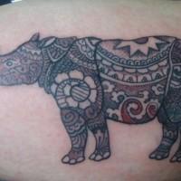 dipinto rinoceronte tatuaggio con fiore modello
