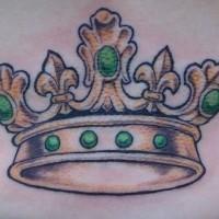 bella corona particolare con pietre preziose tatuaggio