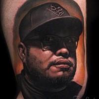 Tatuaje  de hombre famoso muy realista
