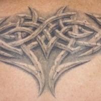 realistico pietra nodo celtico tatuaggio su schiena