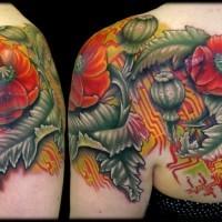 Rote Mohn mit Chip Schema buntes originales Schulterblatt  Tattoo