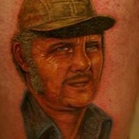 Redneck con capello tatuaggio