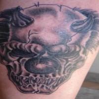 brutto cranio di pagliaccio con corna tatuaggio