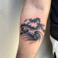 semplice nero e bianco fatto amano onde  tatuaggio su braccio