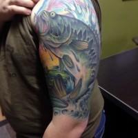 semplice solito disegno colorato pesce carpa agganciata tatuaggio a mezza manica