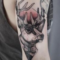 Tatuaggio con braccio colorato in stile schizzo di cervo con figura geometrica di Joanna Swirska