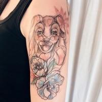Skizzestil farbiger Oberarm Tattoo des netten Hundes mit Blumen