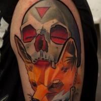 Renard avec le tatouage de crâne géométrique en couleur