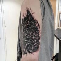Spektakulär aussehendes realistisches biomechanisches  Schulter Tattoo