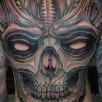 grande spaventoso cranio tatuaggio su tutta schiena