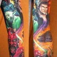 Tatuaje en el brazo, héroes de la guerra de las galaxias, dibujo estupendo de varios colores