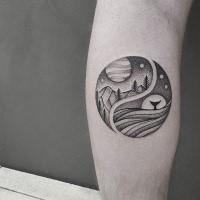 Narbung Stil kreisgeformtes Arm Tattoo mit Bergen und Walendstück
