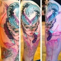 stupenda vecchio stile donna maschera farfalla con piume tatuaggio con gocce di vernice su coscia